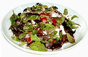 Mixed lettuce, feta and beetroot salad
